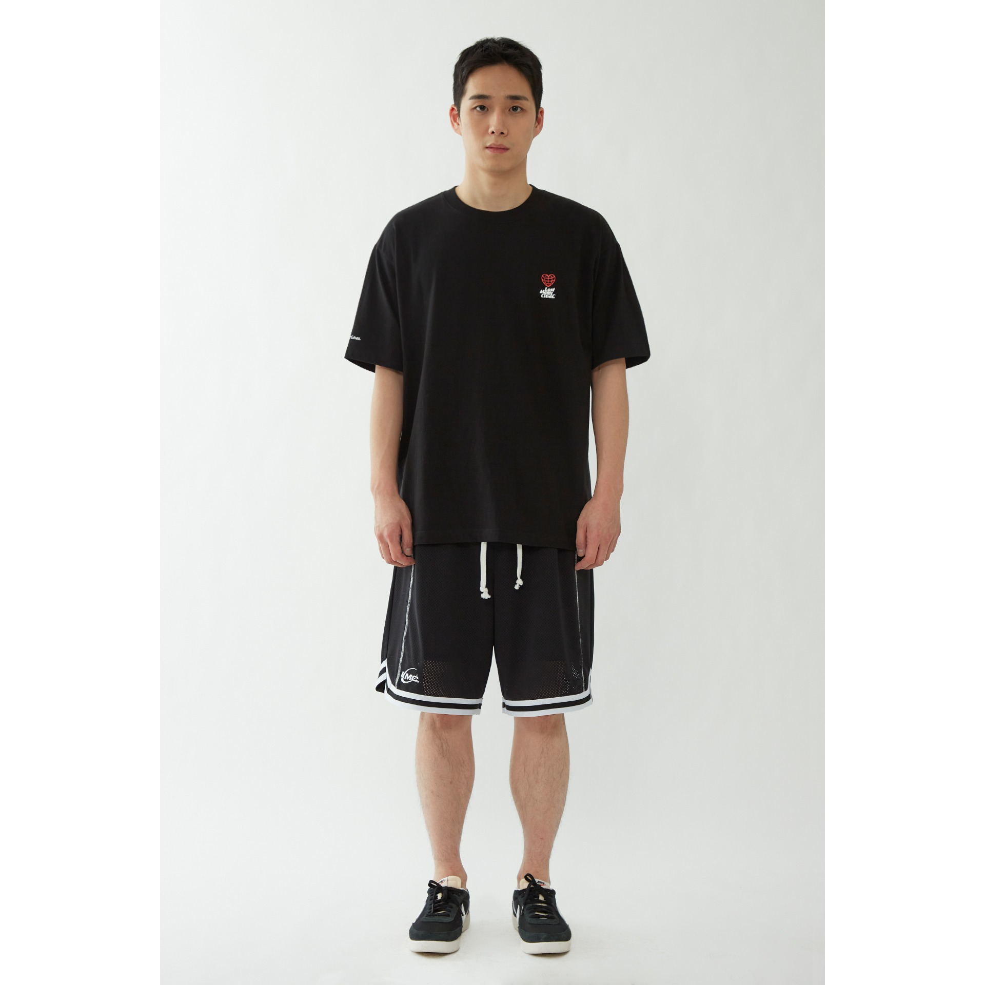 LMC MINI HEART GLOBE TEE black