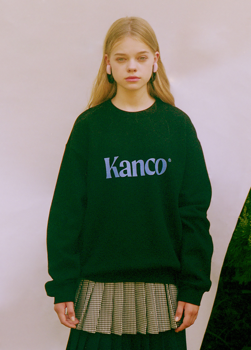 KANCO SERIF LOGO SWEATSHIRT black