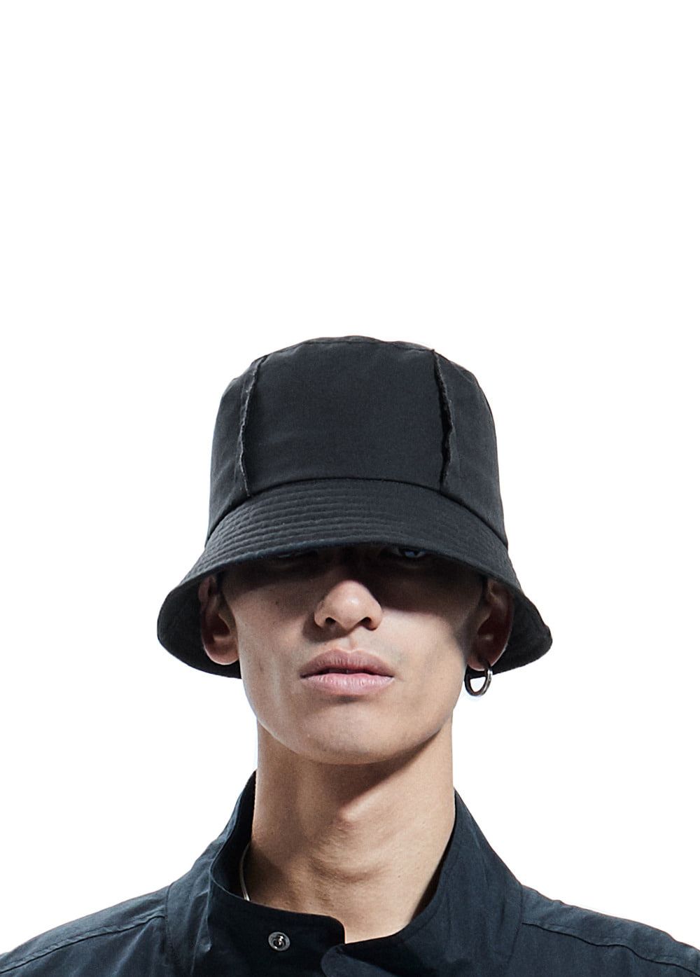 CUT-OFF BUCKET HAT black