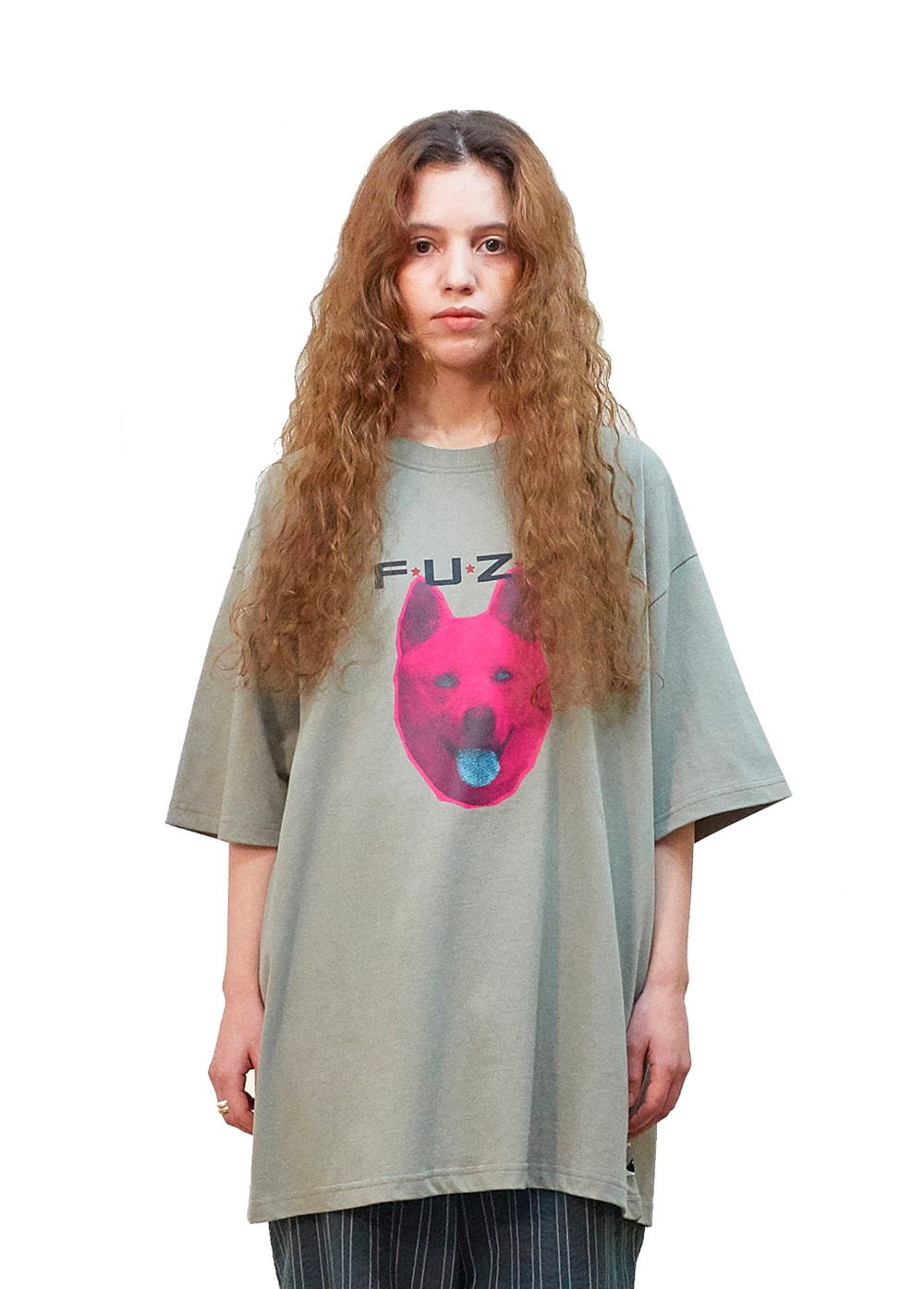 "FUZZ ""SHE WANTS TO MOVE"" S/S TEE sand"